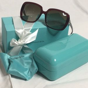 Tiffany sunglasses (rounded square frames)